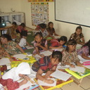 Fun Writing di kelas. Semangat mengikuti kegiatan Fun Writing With Majalah Bravo!.