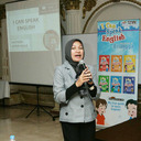 Ibu Afrin Aulia, narasumber workshop sekaligus penulis I Can Speak English